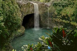 اسکرین سیور آبشار Living Waterfalls